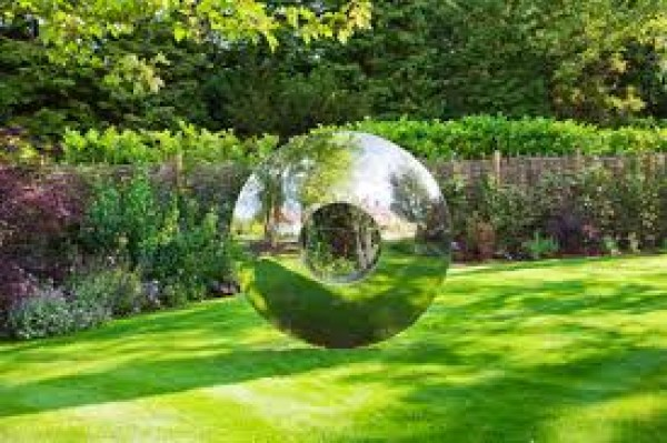 FOCUS ON: OUTDOOR ART